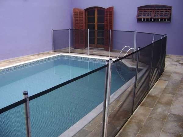 Cerca removivel de prote o para piscina instalada em for Piscinas p 29 villalba